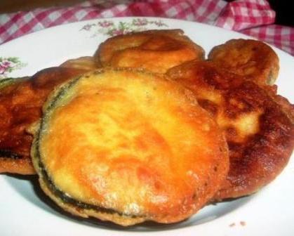 Beignets d'aubergine en sauce