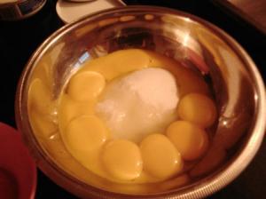 Sucre + jaunes d'oeufs